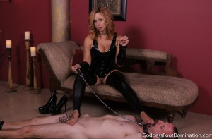 Shoe Slave Milked and Cleans Up